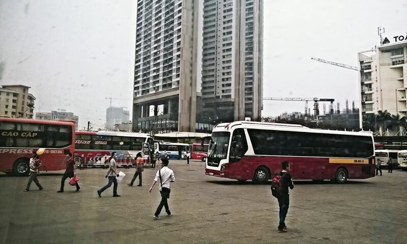 Coaches at My Dinh Station