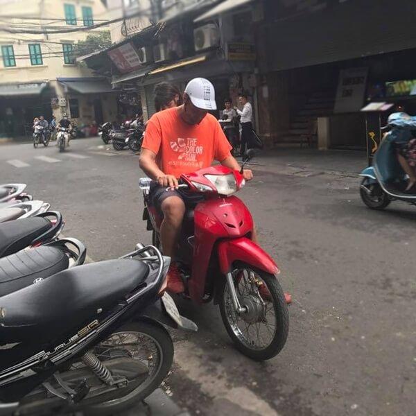 Hire a motorbike Hanoi Vietnam