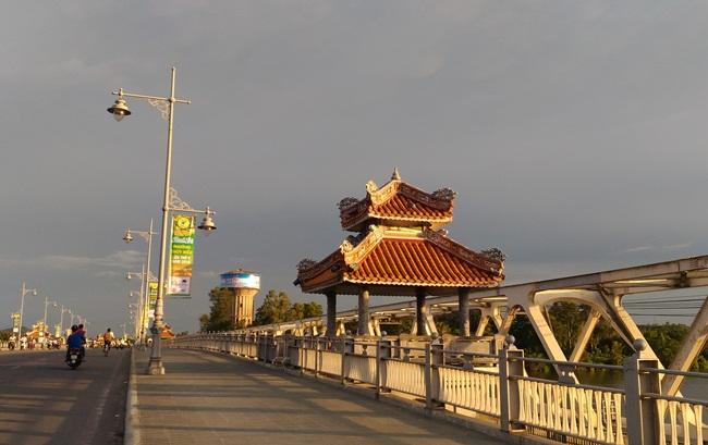 Vietnamdrive- Hue City Vietnam