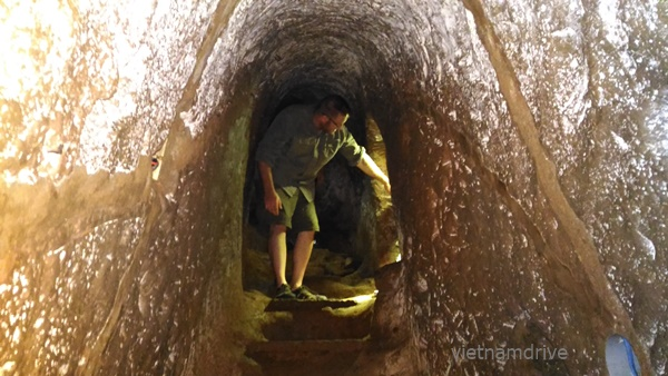 under ground Vinh M oc Tunnels