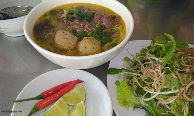 Bun Bo Hue Recipe - how to cook Hue beef noodle soup - Vietnam car rental with driver