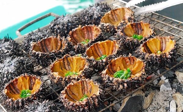 Taste local food in Ninh Thuan - Nhum Bien Ca Na
