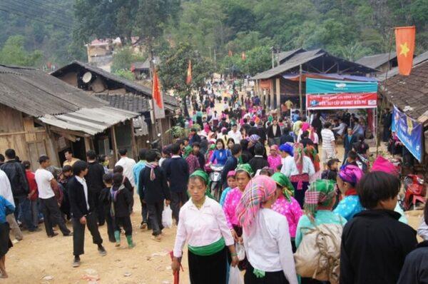 Love Market Khau Vai