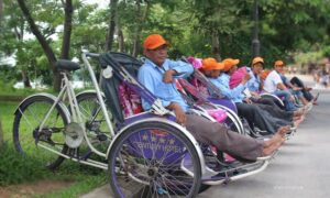 Cyclo Hue waiting for guests
