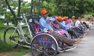 Cyclo Hue waiting for guests
